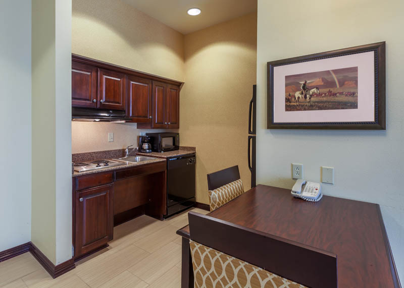 HOMEWOOD_SUITES_WICHITA_TX_ADA_KITCHEN_AREA